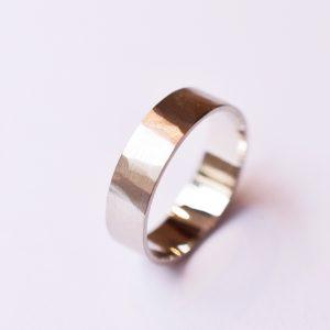 alliance martelée bague or blanc mariage bijoux créateur lyon