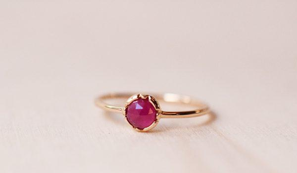 bague fine or jaune rubis fiançailles bijoux créateur lyon