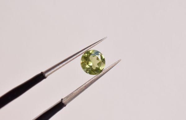 péridot vert pierre pour bijoux sur mesure