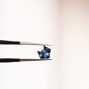saphir madagascar geometrique bijoux lyon