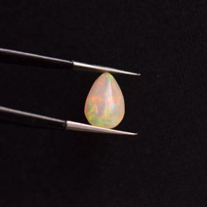 Opale blanche goutte