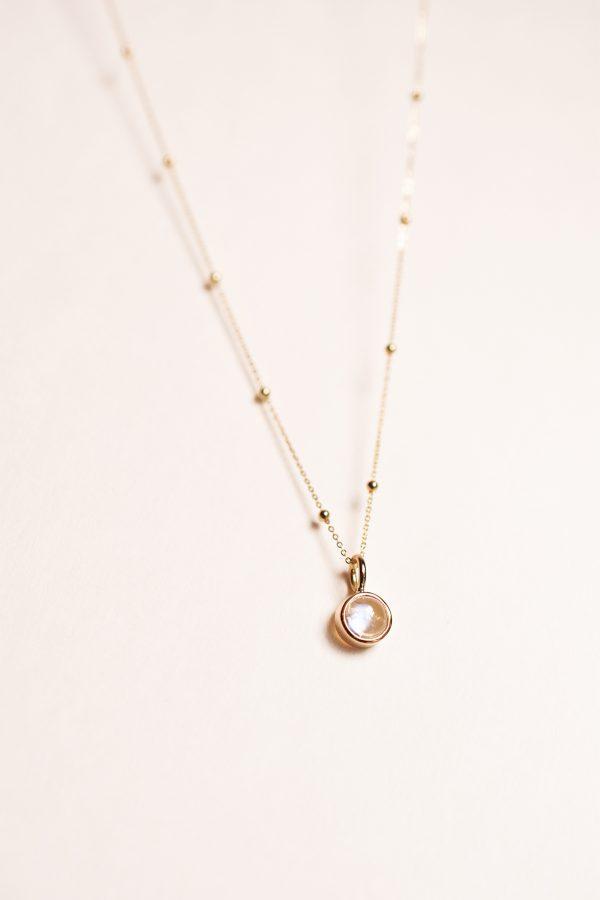 collier or pierre de lune